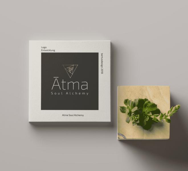 jennifer-bertus-design-portfolio-showcase-gallerie-logoentwicklung-atma